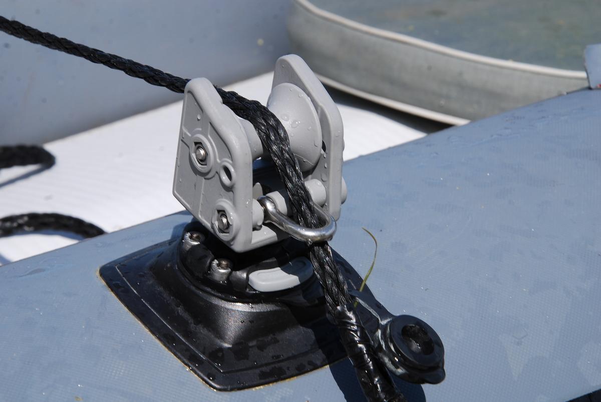 установка якоря на надувной лодке